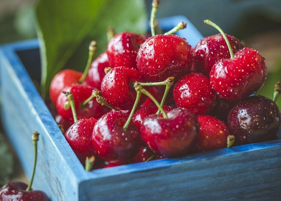 Ciekawy pomysł na prezent - paczka z owocami