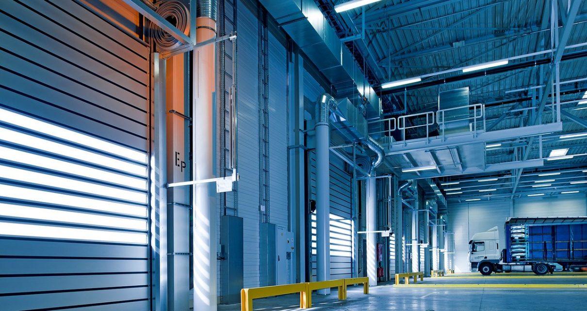 Na czym polega proces budowy hal przemysłowych?